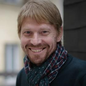 Борис Драгилев — сказочник, актер.